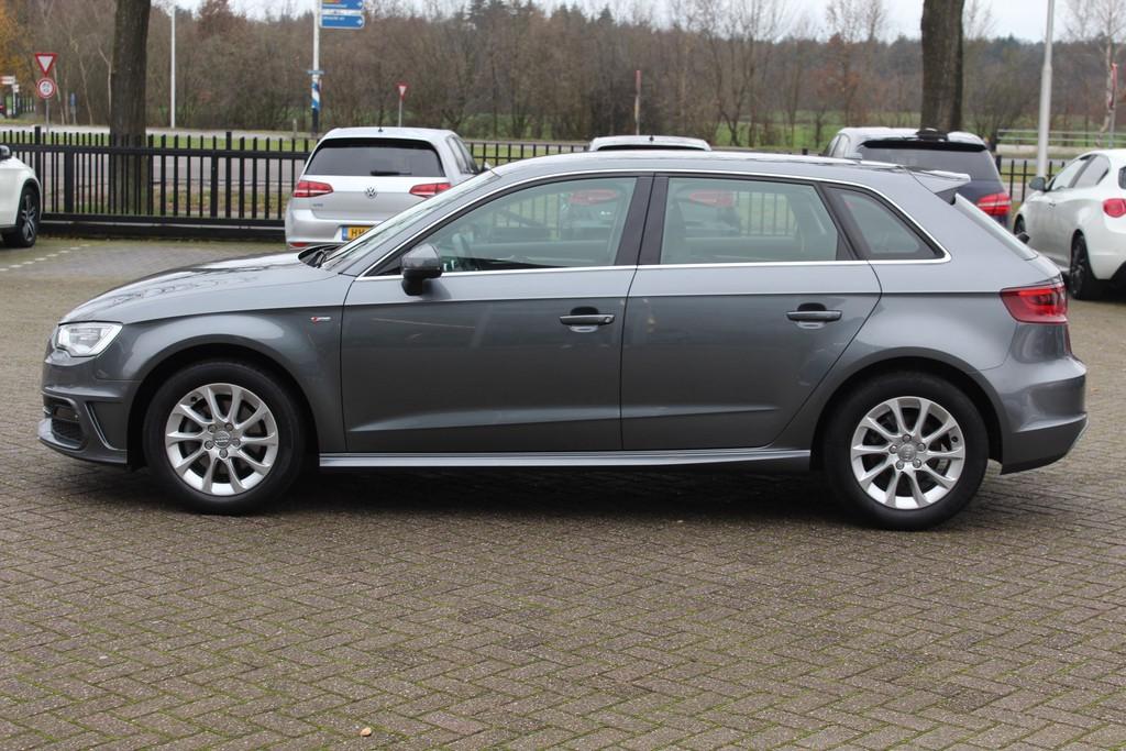 Audi a3 sportback 1.2 occasion 4   Otto de Gooijer