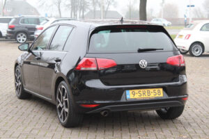 Volkswagen Golf BlueMotion back - otto de gooijer
